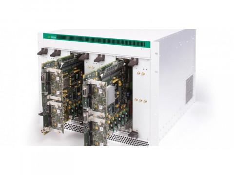 Многоканальный источник сигнала для моделирования ВЧ-среды в реальном времени IZT S5000